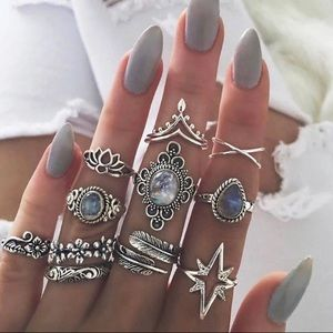 Jewelry - New IVY Rings Set